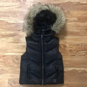 Gap Kids Puffy Down Filled Vest w/ Detachable Fur